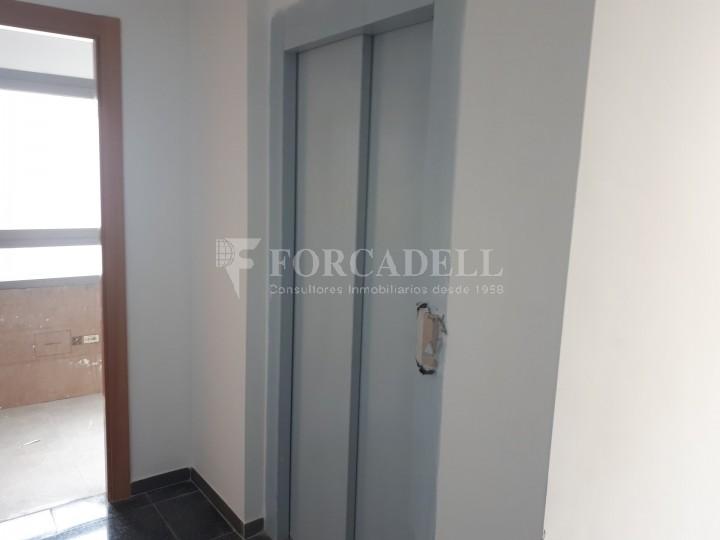 Nau industrial en venda o lloguer d'3.247,45 m² - Sant Joan Despi, Barcelona #9