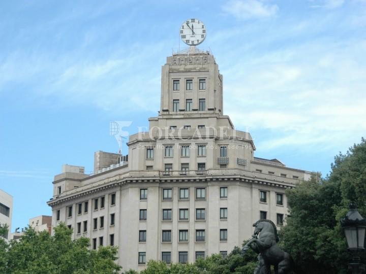 Oficina amb vistes panoràmiques i lluminosa. Centre Barcelona.  #1