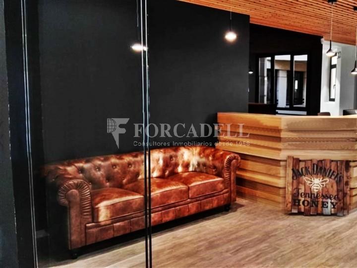 Oficina amb vistes panoràmiques i lluminosa. Centre Barcelona.  #3