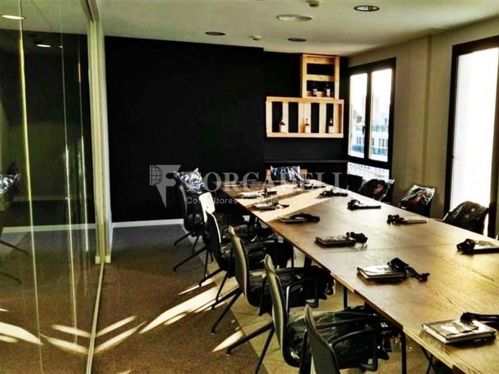 Oficina amb vistes panoràmiques i lluminosa. Centre Barcelona.  #4