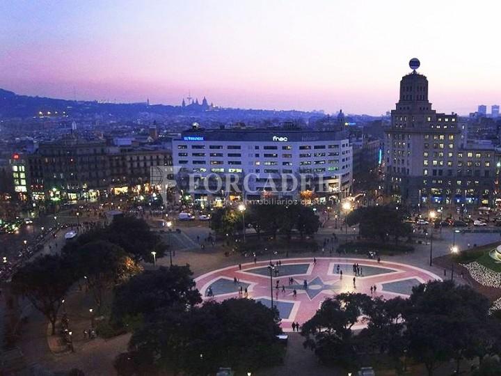 Oficina amb vistes panoràmiques i lluminosa. Centre Barcelona.  #6
