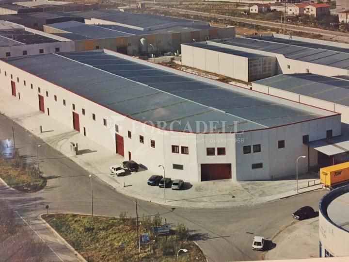 Nau industrial en lloguer de 4.200 m² - Riells i Viabrea, Girona 1