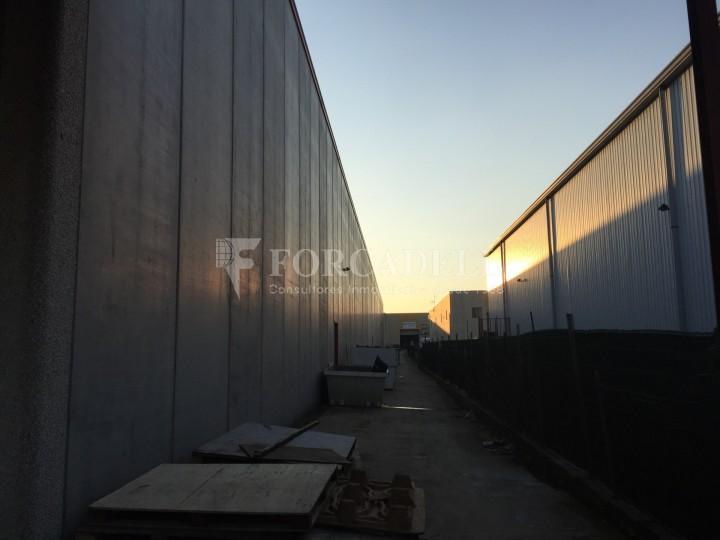 Nau industrial en lloguer de 4.200 m² - Riells i Viabrea, Girona 4