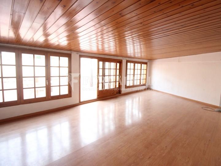 Piso de 4 habitaciones y estudio luminoso en alquiler en - Pisos alquiler particulares granollers ...