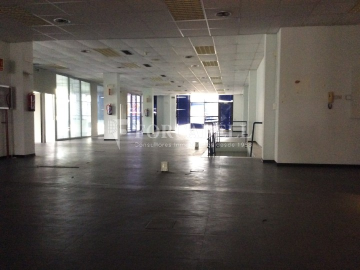 Oficina exterior i lluminosa. Mas Blau. El Prat de Llobregat.  6