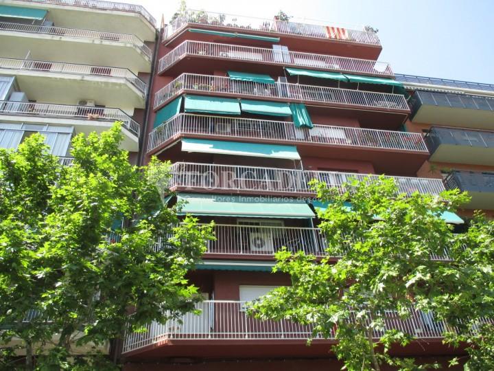 Pis reformat de lloguer de quatre dormitoris en el barri de sant marti de barcelona forcadell - Lloguer pis barcelona particular ...