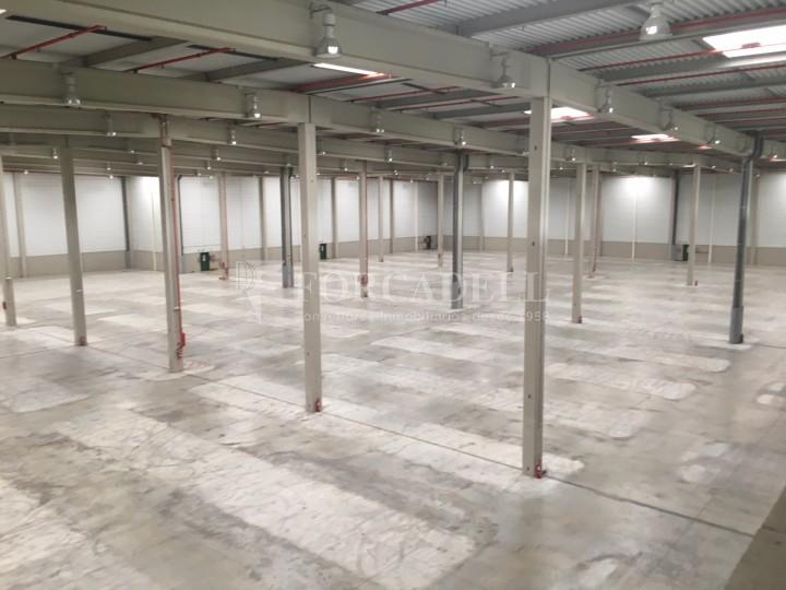 Nau logística en lloguer de 16.751 m² - La Granada del Penedes, Barcelona 2