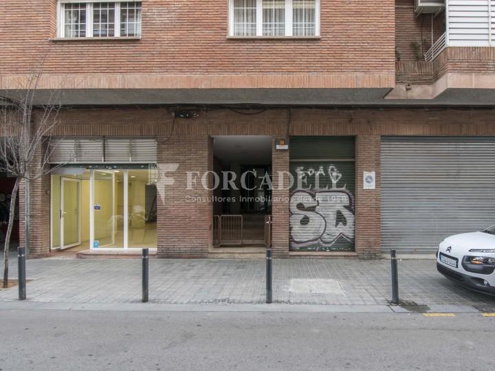 Local en lloguer a l'Hospitalet de Llobregat al barri de Santa Eulàlia. Barcelona.  1