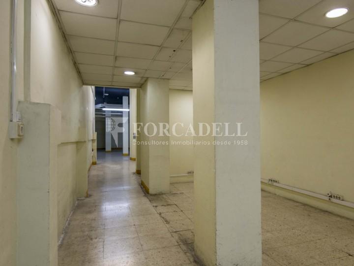 Local en lloguer a l'Hospitalet de Llobregat al barri de Santa Eulàlia. Barcelona.  9
