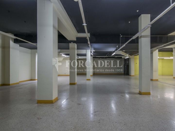 Local en alquiler en l'Hospitalet de Llobregat en el barrio de Santa Eulalia. Barcelona.  12