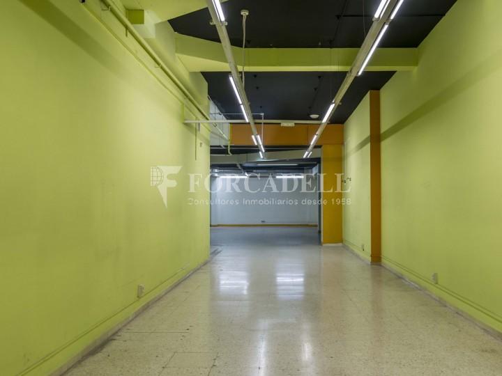Local en lloguer a l'Hospitalet de Llobregat al barri de Santa Eulàlia. Barcelona.  26