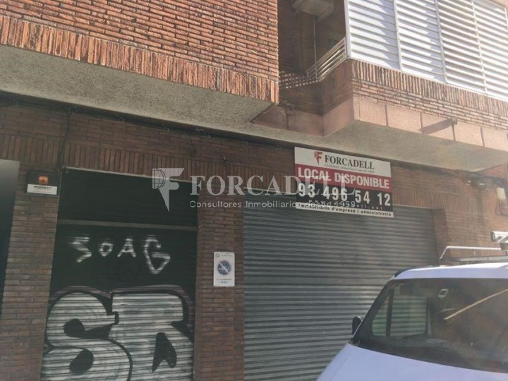 Local en lloguer a l'Hospitalet de Llobregat al barri de Santa Eulàlia. Barcelona.  29