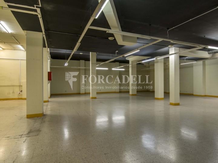 Local en alquiler en l'Hospitalet de Llobregat en el barrio de Santa Eulalia. Barcelona.  3
