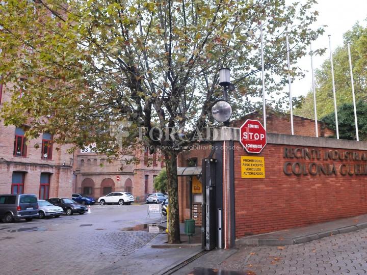 Edifici d'oficines a la Colonia Güell. Santa Coloma de Cervelló.  #10