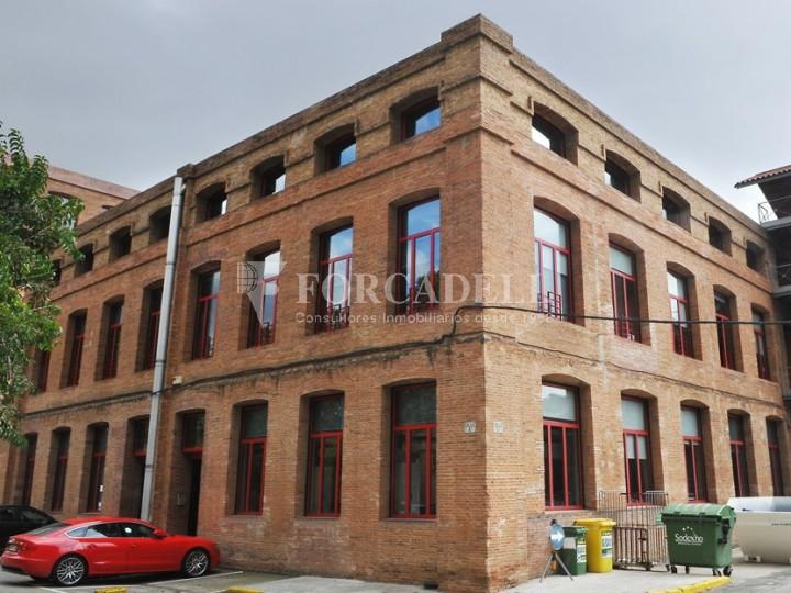 Edifici d'oficines a la Colonia Güell. Santa Coloma de Cervelló.  #2