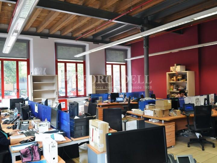 Edifici d'oficines a la Colonia Güell. Santa Coloma de Cervelló.  #7