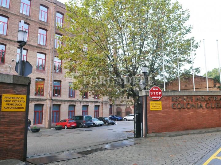Edifici d'oficines a la Colonia Güell. Santa Coloma de Cervelló.  #9