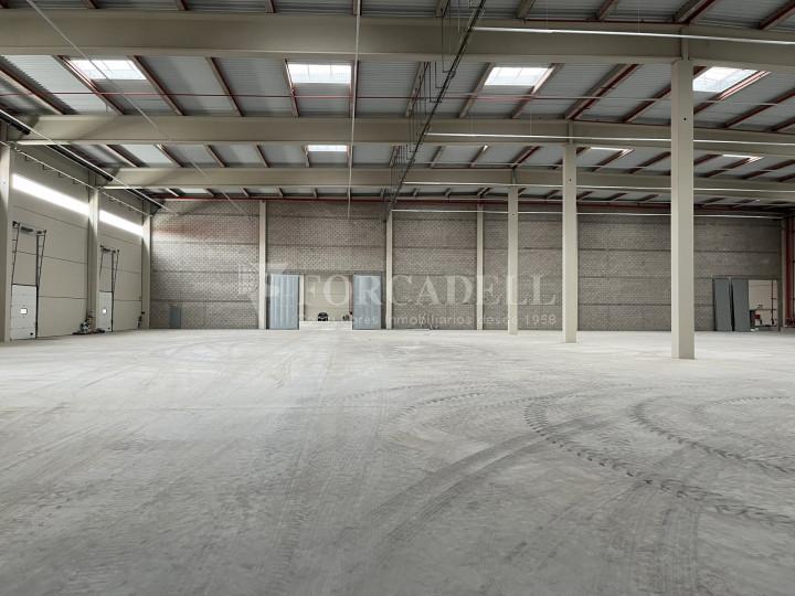 Nave logística en alquiler de 13.987 m² - Castellbisbal, Barcelona 2