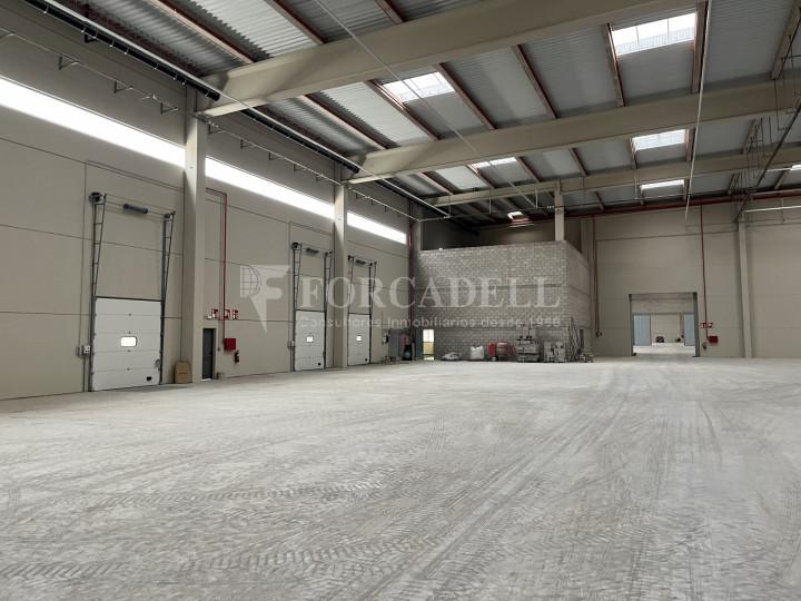 Nave logística en alquiler de 13.987 m² - Castellbisbal, Barcelona 3