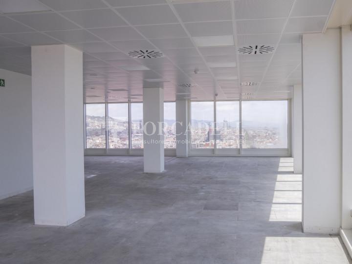 Oficina en lloguer a prop de l'estació de Sants. C. Tarragona 3