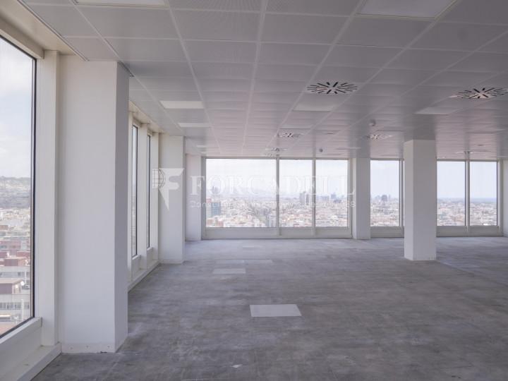 Oficina en alquiler próxima a la estación de Sants. C. Tarragona 13
