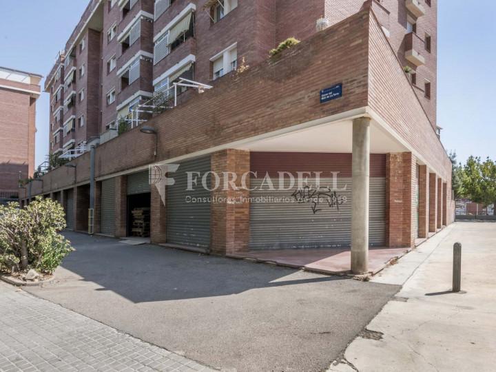 Local comercial en venda i lloguer a Badalona. Barcelona. 1