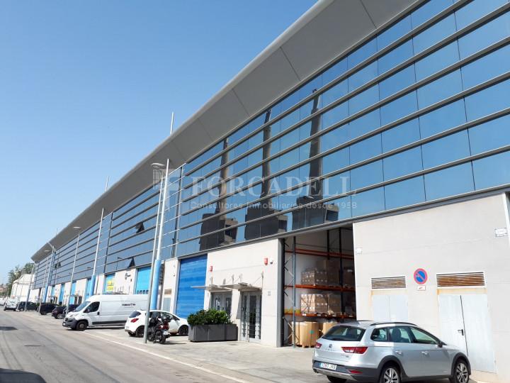 Nave industrial en alquiler de 798 m² - Badalona, Barcelona #1