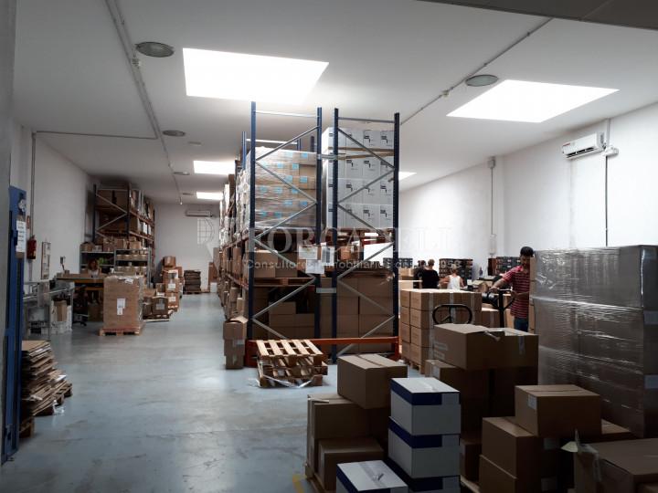 Nave industrial en alquiler de 798 m² - Badalona, Barcelona #4