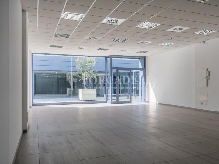 Oficina lluminosa en lloguer a Porta Diagonal. Sant Just Desvern.  #10