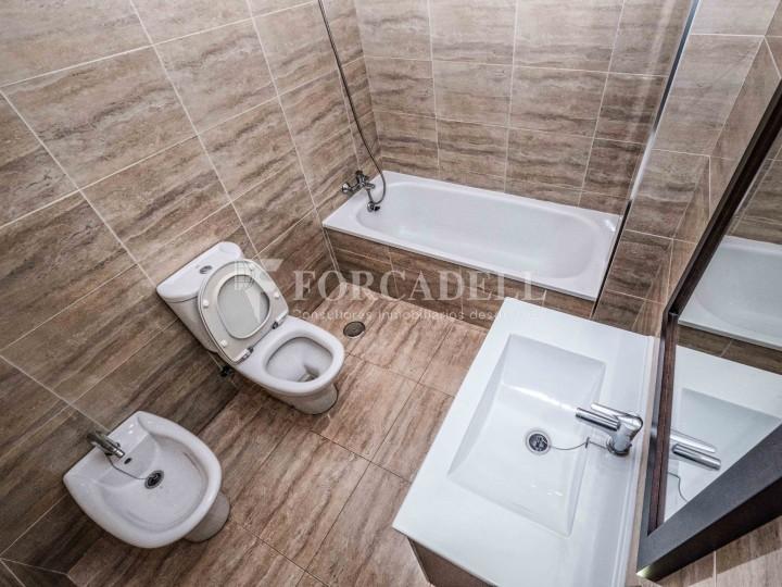 Habitatge en lloguer de tres habitacions a Sevilla. 22