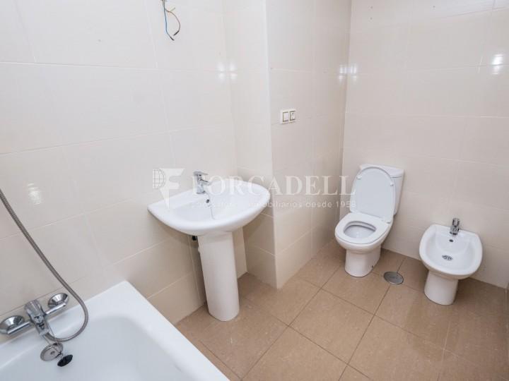 Habitatge en lloguer de tres habitacions a Sevilla. 23