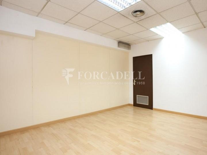 Oficina disponible en lloguer situada al cor de l'Avinguda Paral·lel. Barcelona. #6