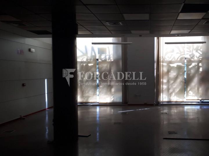 Local comercial situat al districte de Ciutat Vella, al costat de l'Estació de França. Barcelona #4