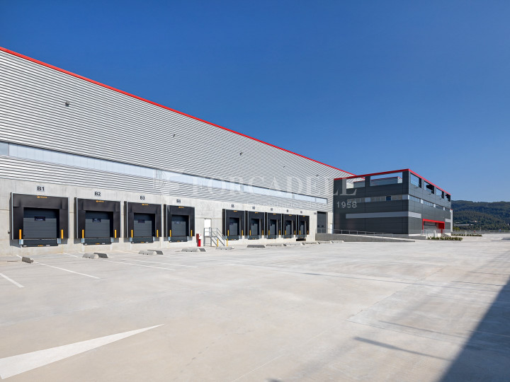 Nave logística en alquiler de 21.419 m² - Sant Esteve Sesrovires, Barcelona #10