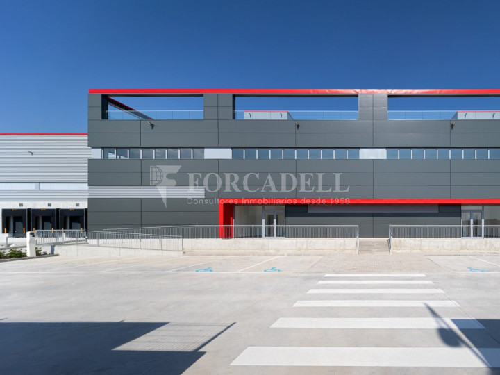 Nave logística en alquiler de 21.419 m² - Sant Esteve Sesrovires, Barcelona #8