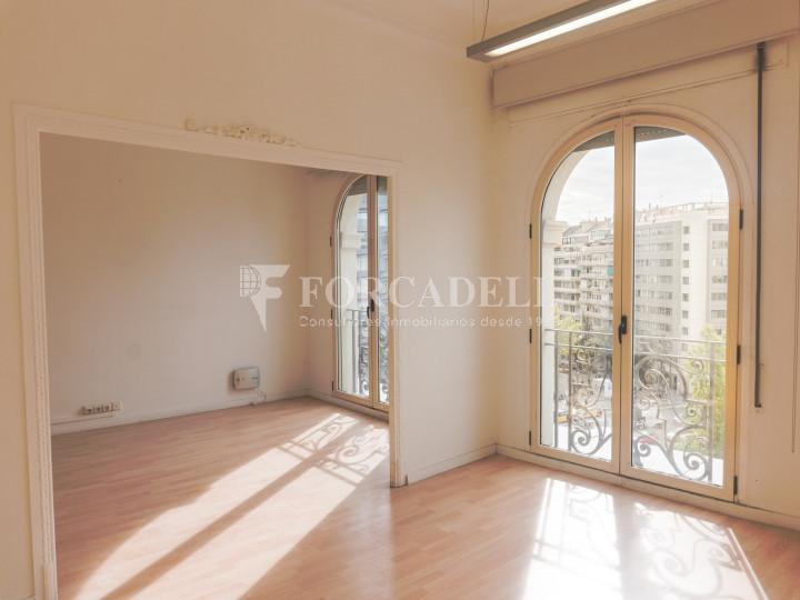 Oficina en lloguer a la plaça Francesc Macià. Barcelona. 2