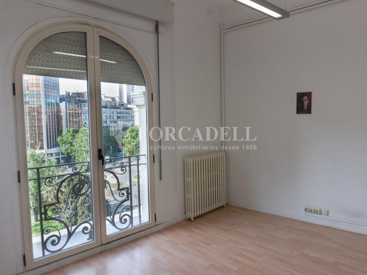 Oficina en lloguer a la plaça Francesc Macià. Barcelona. 5