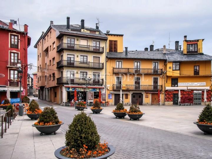 Local comercial disponible situat a Puigcerdà. Girona.  #2