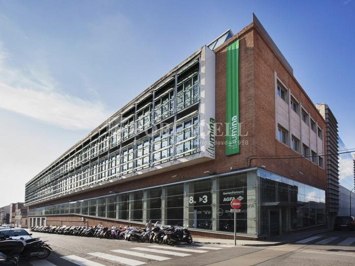 Oficina en lloguer, situada a Esplugues de Llobregat. Barcelona. 1