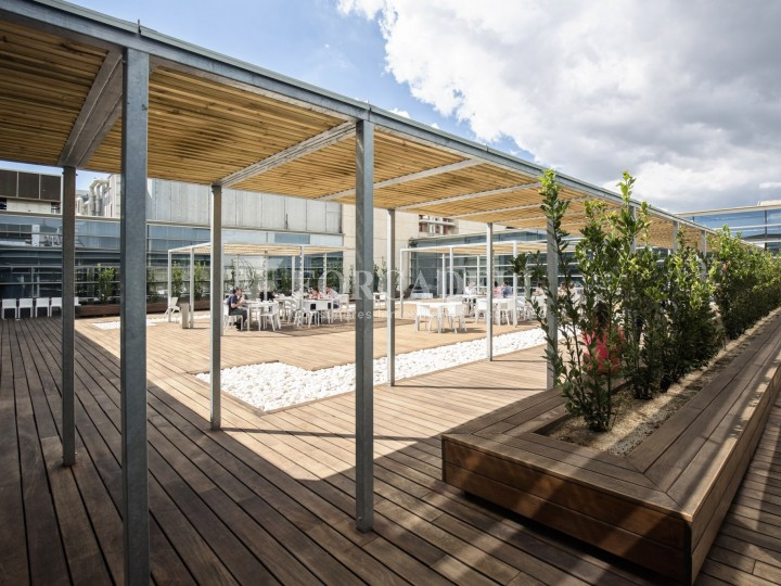 Oficina en lloguer, situada a Esplugues de Llobregat. Barcelona. 22