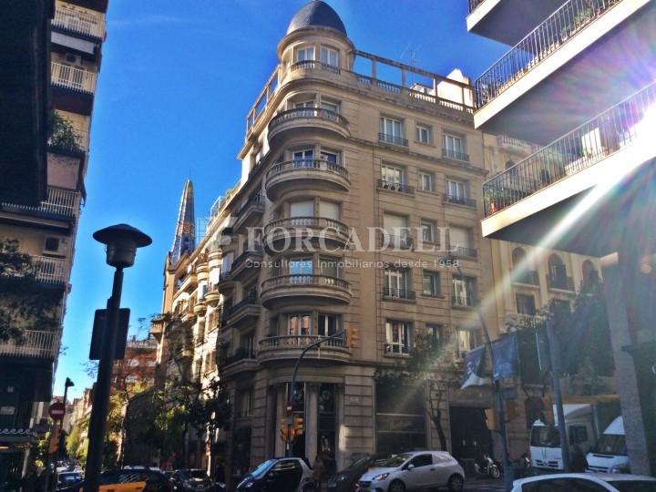 Oficina rehabilitada en lloguer al carrer Muntaner. Barcelona. #1