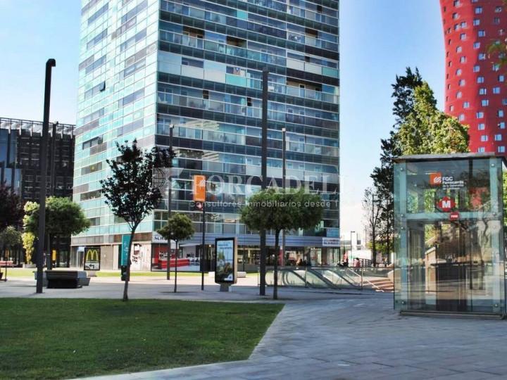 Oficina exterior, moderna i lluminosa a la Torre Llevant. Pg Zona Franca. Barcelona. #4