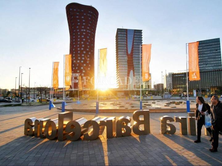 Oficina exterior, moderna i lluminosa a la Torre Llevant. Pg Zona Franca. Barcelona. 3