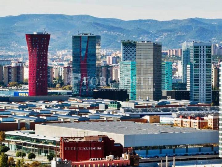 Oficina exterior, moderna i lluminosa a la Torre Llevant. Pg Zona Franca. Barcelona. 6