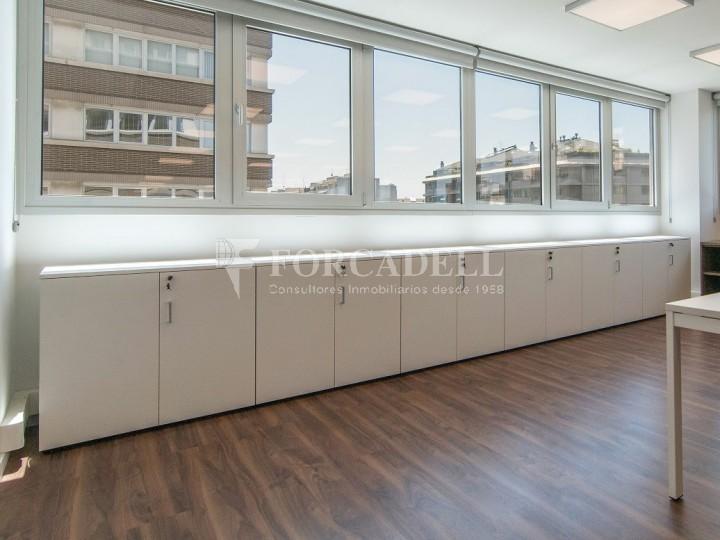 Oficina exterior i diàfana en lloguer. Av. Meridiana. Barcelona. #6