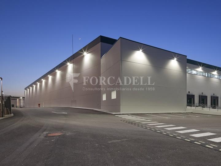 Nave logística en alquiler de 16.139 m² - La Bisbal del Penedes, Tarragona.  1