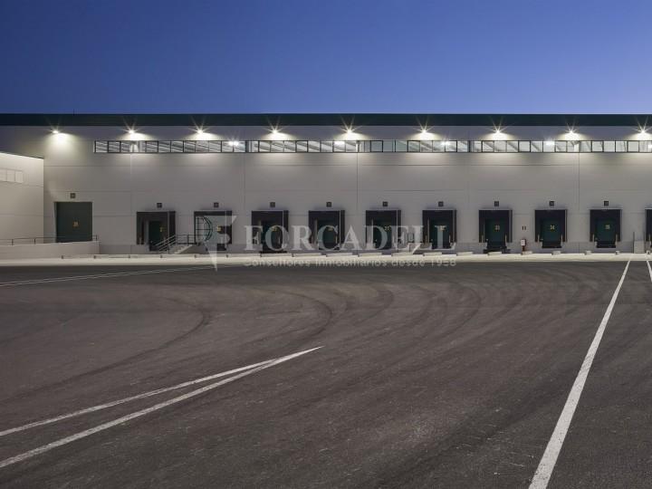 Nave logística en alquiler de 16.139 m² - La Bisbal del Penedes, Tarragona.  16