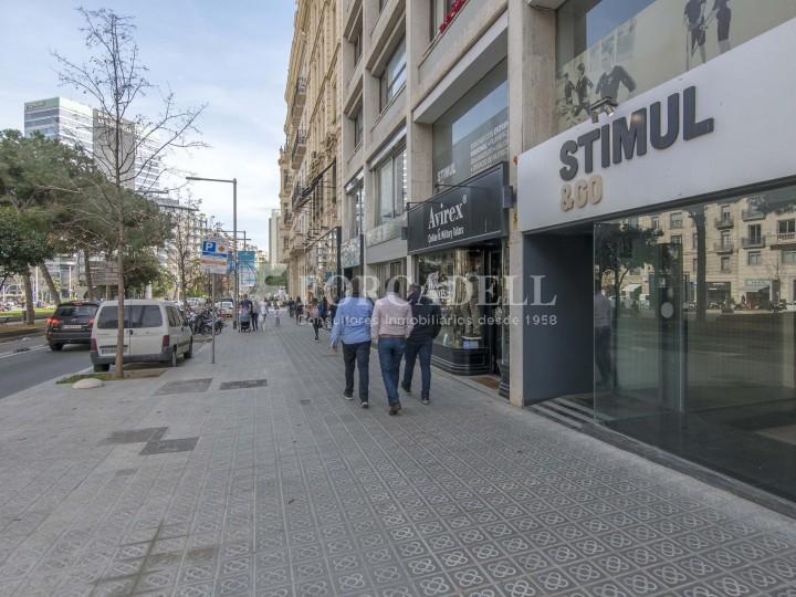 Local comercial situat a l'Avinguda Pau Casals a pocs metres de la plaça Francesc Macià. Barcelona. #1