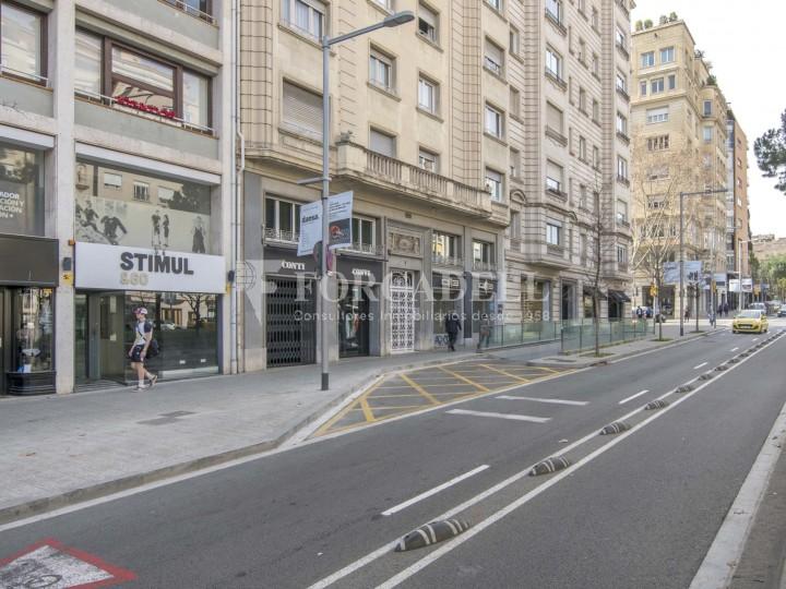 Local comercial situat a l'Avinguda Pau Casals a pocs metres de la plaça Francesc Macià. Barcelona. #16