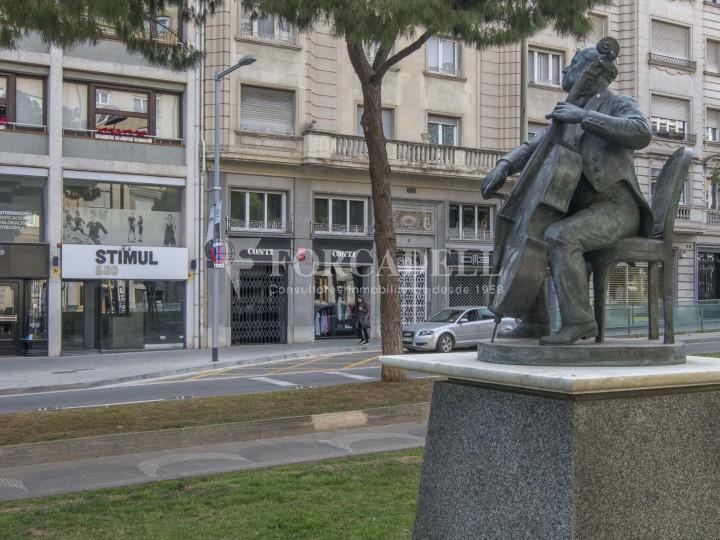 Local comercial situat a l'Avinguda Pau Casals a pocs metres de la plaça Francesc Macià. Barcelona. #19